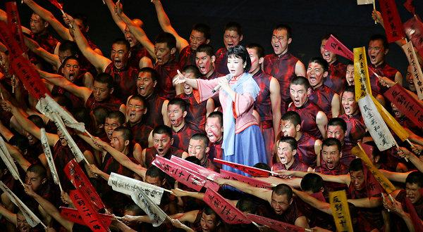 peng-liyuan-singer