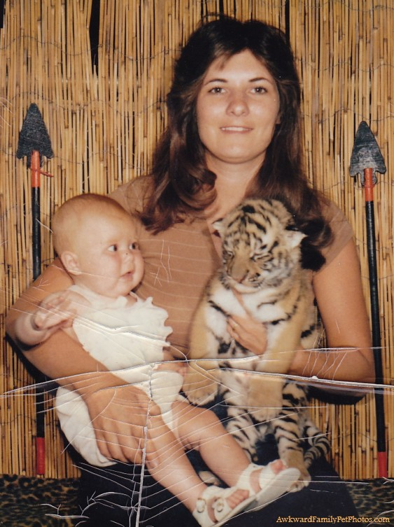 tiger-mom-awkward-family-photos