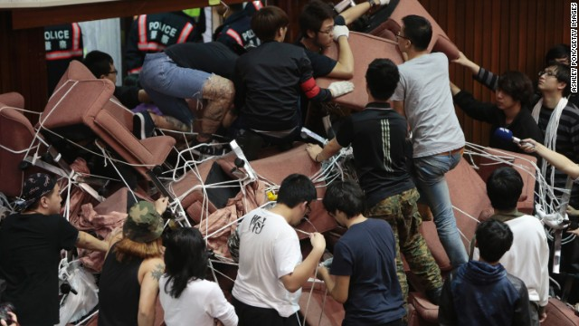 taiwan-protest-piled-chairs