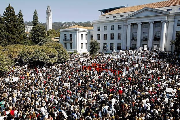 Berkeley-rally-budget-cuts-Sproul-Hall