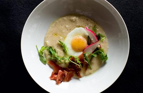 momofuku-grits-eggs-ham